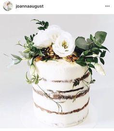 Beautiful rustic naked cake It's Friday friends time to indulge! Beautiful rustic naked cake love detailed It's Friday friends time to indulge! 16 Cake, Cupcake Cakes, Cupcakes, Mini Cakes, Pretty Cakes, Beautiful Cakes, Wedding Cake Designs, Wedding Cakes, Nake Cake