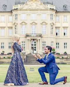 Such a sweet moment and a stunning location 💍 Congrats to the lovely couple 💑 Captured beautifully by . Cute Muslim Couples, Romantic Couples, Wedding Couples, Cute Couples, Wedding Ideas, Muslim Wedding Dresses, Muslim Brides, Muslim Women, Muslim Couple Photography