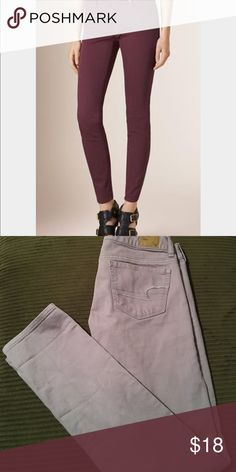 🌺AE SKINNY STRETCH🌺 These jeans are a casual wardrobe staple💕 Cover photo is the same jeans different color, to show the fit. American Eagle Outfitters Jeans