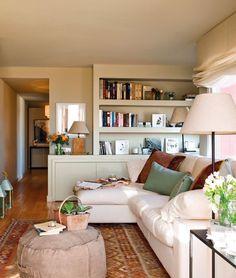 Casinha colorida: Como organizar as almofadas no sofá