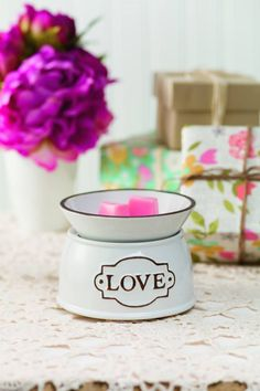 #WarmerWednesday is about sharing the #ScentsyLove with this fun #ElementWarmer from www.ilovewickless.com