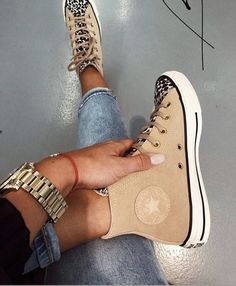 trendy sneakers best sneakers 2019 women's jeans and sneakers outfit sneakers sneakers for teen best sneakers 2020 best sneakers sneaker ideas Source by weintoitmag Ideas for teens Dr Shoes, Hype Shoes, Crazy Shoes, Me Too Shoes, Jeans And Sneakers Outfit, Sneakers Fashion, Fashion Shoes, Shoes Sneakers, Leopard Sneakers