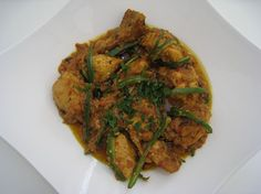 Wouldn't life be fun if the dish you love, is also one of the easiest and quickest dish to make? I like it with roghni naan and raita. Chicken Karahi, Naan, The Dish, Ratatouille, Low Carb Recipes, Dishes, Cooking, Pakistani, Ethnic Recipes