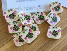 Square Flower Patterned Wooden Buttons: Packs of 10 buttons Handmade Clothes, Handmade Items, Crochet Hair Clips, Santa Decorations, Gold Baby Showers, Sewing Material, Button Flowers, Button Crafts, Wooden Hearts