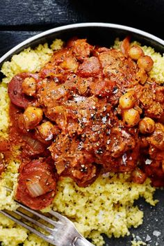 mørbradgryde Snack Recipes, Healthy Recipes, Snacks, Couscous, Chana Masala, Tapas, Crockpot, Curry, Food Porn