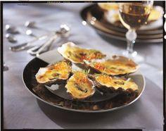 Huîtres gratinées, sabayon de champagne et oeufs de saumon