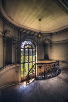 Chateau du Loup by kleiner uRbEx hobbit, via Flickr I actually feel pain at the lonliness of this still beautiful place!