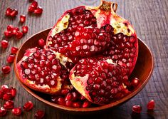 Pomegranate Health Benefits <3  http://www.medicaldaily.com/pomegranate-health-benefits-fruit-helps-protect-against-plaque-hunger-and-certain-340020 #massageenvyhi #dietandnutrition #health #wellness #beauty #joy #happiness #themoreyouknow