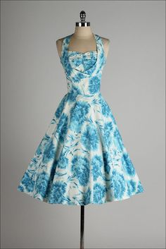 by millstreetvintage on Etsy trends Blue Floral Dress Wedding Invitations Trends 2019 Robes Vintage, Vintage 1950s Dresses, Vintage Wear, Vintage Outfits, Vintage Clothing, Vintage Style, Retro Dress, Pretty Outfits, Pretty Dresses