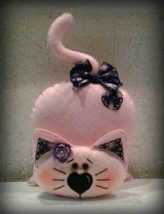Resultado de imagem para necessaires, gatos, bonecas de tecido e bruxas de tecido blog