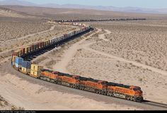 Net Photo: 4229 BNSF Railway at Unknown, California by Paul Sykes Bnsf Railway, Railroad Pictures, Rail Transport, Burlington Northern, Train Pictures, Train Tracks, Photo Location, Pictures To Paint, Model Trains