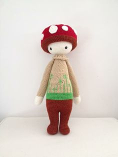PAUL the toadstool made by Esin / crochet pattern by lalylala
