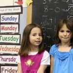 Giving Good Praise to Girls: What Messages Stick | MindShift. Another message about Dweck's research: discuss overcoming struggles at the dinner table.