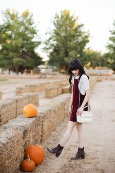 New Darlings - Overalls Dress - Clarks Boots - Fall Fashion - Pumpkin Picking Fall Formal Dresses, Spring Dresses, Autumn Dresses, Casual Dresses, Fall Winter Outfits, Autumn Winter Fashion, Fall Fashion, Winter Style, Men Fashion
