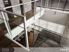 本案位於台北市士林區,116坪五房兩廳的現代風設計。三面極好的採光為基調,運用不同層次的堆疊、不同媒材的混搭,創造出帶有律動感的視覺美感;開放式的客餐區型塑出流暢的動線、無壓的感受,運用格柵牆設計隱藏式收納,利用「數大就是美」的重複性序列,表現空間氣度的磅礡;在二樓廊道處顛覆材質運用的既定思維,在石牆內嵌入亂數呈現的開放式層架,打造如洞窟般的收納,充分顯示從實用機能出發,卻以天馬行空創意,打破形式限制的巧思。主要建材:石材、鐵件、實木皮、鍍鈦、木地板、皮革。