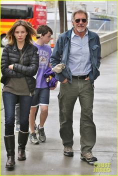 Harrison Ford & Calista Flockhart: Lakers Game with Son Liam!: Photo Harrison Ford and Calista Flockhart head into the Staples Center with their son Liam to attend the Los Angeles Lakers vs. Chicago Bulls basketball game on Sunday… Harrison Ford Indiana Jones, Lakers Game, James Spader, Kevin Costner, Denzel Washington, George Clooney, Van Halen, Boston Celtics, Celebs