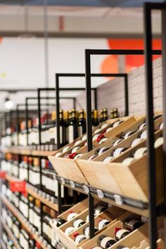 Delhaize by Minale Design Strategy - Retail Design - Wine cellar - Furniture