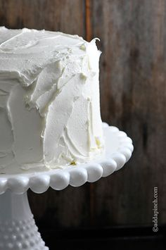 This White Cake recipe is the perfect cake for so many celebrations! This Best White Cake is simple to make and is a moist, tender cake everyone loves. Box Cake Recipes, Cake Recipes From Scratch, White Wedding Cake Recipe From Scratch, White Cake Recipes, Frosting Recipes, Take The Cake, Love Cake, The Best White Cake Recipe Ever, Best White Chocolate Cake Recipe