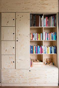 Kinderzimmer DIY Underlayment closet with murphy bed Plywood Furniture, Diy Furniture, Basement Guest Rooms, Diy Rangement, Bed Shelves, Tiny Spaces, Kids House, Home Organization, Home Remodeling