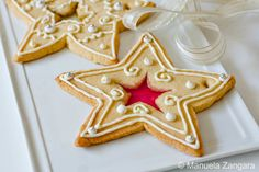 Love these beautifully decorated star cookies!
