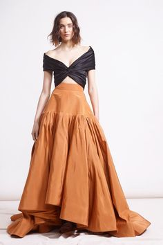 Reem Acra Pre-Fall 2018 Fashion Show