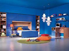Moderna decoración de la habitación del muchacho