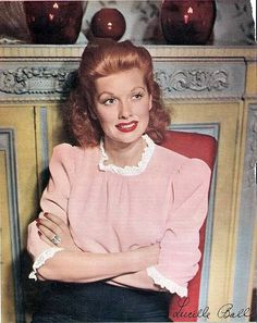 Lucille Ball in the 1940's <3 her hair!!!!