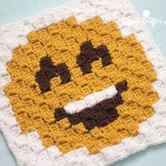 Happy Face Emoji C2C square and pixel graph