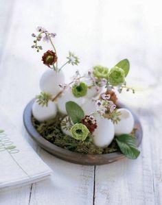 interessante kleine Tischdeko Idee-Blumen Eier Ostern