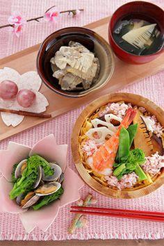 Chirashizushi meal 華やかちらし寿司でおもてなし