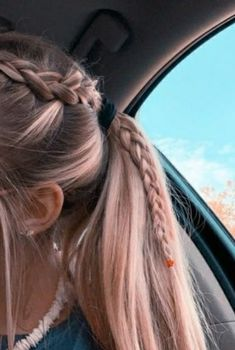 22 Pretty Braided Ponytail Hairstyles You Should Try This Se.- 22 Pretty Braided Ponytail Hairstyles You Should Try This Season Braided Ponytail Hairstyles, Box Braids Hairstyles, Girl Hairstyles, Wedding Hairstyles, Pretty Hairstyles For School, Summer Hairstyles For Medium Hair, Trendy Hairstyles, Winter Hairstyles, Wedding Updo