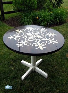 A fun idea for a medallion table from Christinas Adventures! - Patio Table - Ideas of Patio Table Refurbished Furniture, Repurposed Furniture, Furniture Makeover, Painted Furniture, Plywood Furniture, Antique Furniture, Furniture Projects, Home Furniture, Homemade Furniture