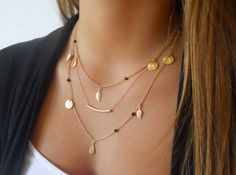 Delicate Gold layered Necklace Set Tube Gemastone por annikabella
