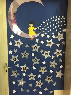 Spring Crafts for Kids / Preschoolers & Toddlers to make this season of new beginnings Space Classroom, Classroom Door, Classroom Design, Preschool Classroom, Preschool Activities, School Displays, Classroom Displays, Decoration Creche, Class Door