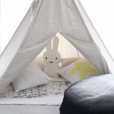 Camping indoors ooh-noo.com