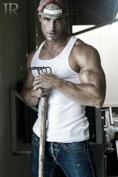 With more than 100 magazine covers, Greg Plitt is without a doubt the world's ultimate male fitness model...... YUPPP <3