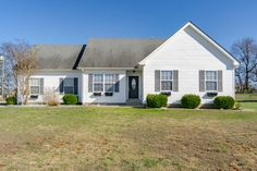 **NEWLY LISTED** 155,000 (1287 Meredith Way). This Cozy 3 bedroom, 2 bath ranch has a bonus room. It has hardwood floors in living area and tile in kitchen. There is fresh paint and landscaping. Also has quick access to Ft Campbell, the mall/shopping and the interstate for quick commute to Nashville! For additional information, or pictures do not hesitate to call or text 931-237-1417, email me at tgiroux63@gmail.com, or send me a private message on facebook!
