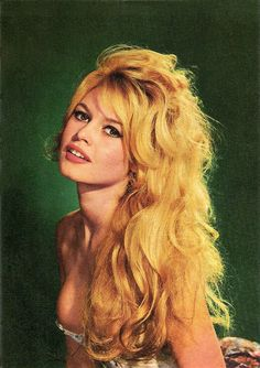 Brigitte Bardot French postcard by Editions du Globe. During the and she was every man's idea of the girl he'd like to meet in Paris. Brigitte Bardot, Bridget Bardot, Hollywood Glamour, Hollywood Actresses, Classic Hollywood, Old Hollywood, Marianne James, Portrait Photos, Portraits