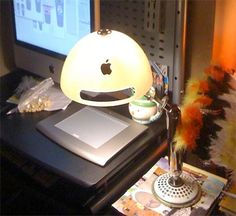 Just a few days ago we showed you the Recycled Apple iBook Clock. Now we have a Recycled iMac Lamp to go along with it, made from recycled Mac parts. It makes quite a geek statement. Imac G4, Pc Keyboard, Ipad, Old Computers, Apple Computers, Cool Lamps, Room Interior Design, Design Room, Iphone