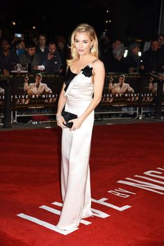 Sienna Miller wears Lanvin to the London premiere of Live by Night.