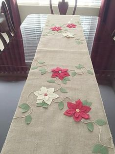 DIY burlap table runners. Easy to do.