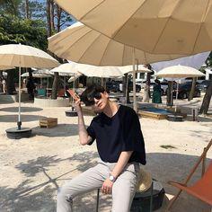 Korean Boys Hot, Korean Boys Ulzzang, Ulzzang Boy, Korean Fashion Men, Ulzzang Fashion, Korean Street Fashion, Cute Asian Guys, Asian Boys, Korean Outfits