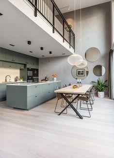 Skovin Ask - et lyst gulv som gir en følelse av åpenhet Parquet Flooring, Future House, Interior Architecture, Living Room, Wood Floor, Inspiration, Furniture, Beautiful Pictures, Home Decor