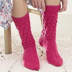 OHJE: Lykke-pitsisukat Drops Design, Yarn Colors, Knitting Socks, One Color, Leg Warmers, Knitting Patterns, Knit Crochet, Slippers, My Style