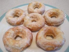 Copy Cat Krispy Kreme Low Carb Sugarfree Glazed Donuts - The all day I dream about food cinnamon donut with brown butter glaze recipe won the highfalutin bake off but he preferred this glaze. Donuts Keto, Low Carb Doughnuts, Low Carb Donut, Donuts Donuts, Healthy Donuts, Baked Donuts, Healthy Desserts, Ketogenic Desserts, Keto Friendly Desserts