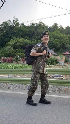 Xiumin at military Baekhyun Chanyeol, Kim Minseok Exo, Exo Ot12, Chanbaek, Kris Wu, Luhan And Kris, Exo Album, Exo Official, Xiuchen
