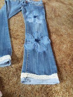 Patchwork my jeans - Upcycled Clothes Refashioning Sewing Clothes, Diy Clothes, Refashioned Clothes, Upcycled Clothing, Umgestaltete Shirts, Jeans Refashion, Diy Sac, Denim Ideas, Denim Crafts