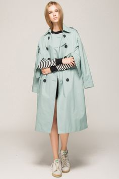 50 Fall Jackets, 5 Killer Trends You Gotta Try! #refinery29  http://www.refinery29.com/jackets-fall-trends#slide35
