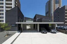西新の三世帯住宅: 中野晋治建築研究室が手掛けた家です。