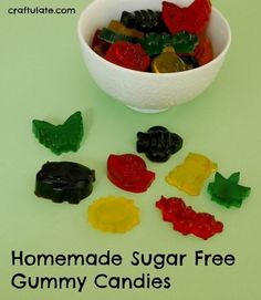 idea for a sugar free treat that kids will love! Homemade Sugar Free Gummy Candies - perfect snack for kids!Homemade Sugar Free Gummy Candies - perfect snack for kids! Sugar Free Kids Snacks, Sugar Free Snacks, Sugar Free Candy, Sugar Free Desserts, Sugar Free Recipes, Healthy Snacks For Kids, Sugar Free Gummies Recipe, Sugar Free Gummy Bears, Healthy Deserts